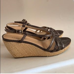 Kenneth Cole Reaction In Love brown wedge 7.5M